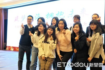 「想親自看看」 上海邀台生實習