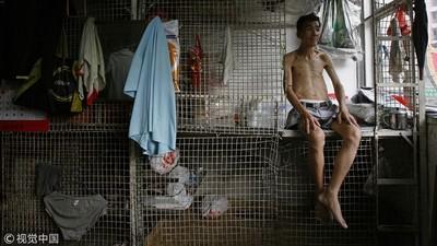 香港地獄級炒房 「籠屋、劏房」十坪不到擠六人 吃喝拉撒都在同一間