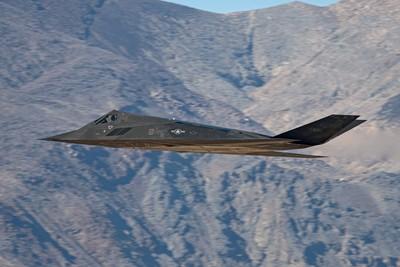 傳2017年秘密炸伊拉克!F-117現死亡谷