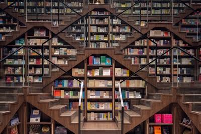 鐘書閣書店走奇幻風 成打卡景點