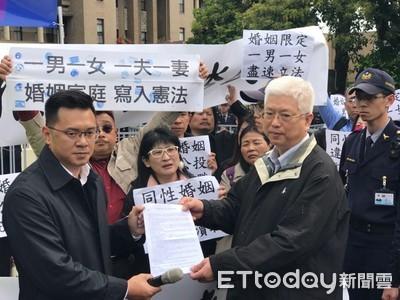 反同婚專法逕付二讀 孔文吉嗆:台灣沒有神在掌權嗎?