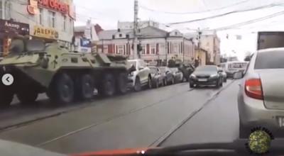 軍用車上路出車禍是日常!俄國駕駛用「這個」自保