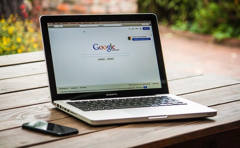 ▲▼google,電腦,筆電。(圖/取自免費圖庫pixabay)