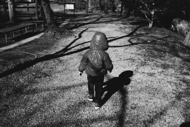 ▲小孩,男孩,悲傷,落寞。(圖/取自免費圖庫photoAC)
