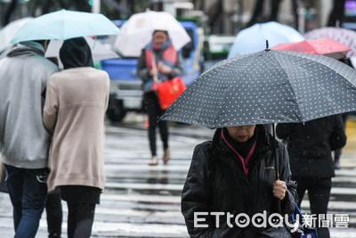 雨天出現偷傘怪客!伯辯稱誤拿無效