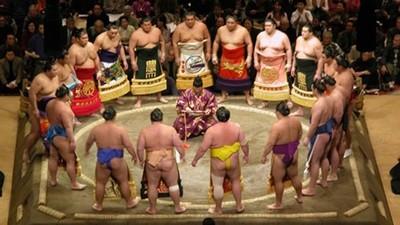 女醫生不准踏進土俵救人! 現代相撲的「超保守觀念」卡在傳統