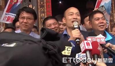 韓國瑜台南助攻 青龍宮上香擠爆