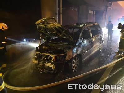 國道火燒車 駕駛停路肩逃過一劫