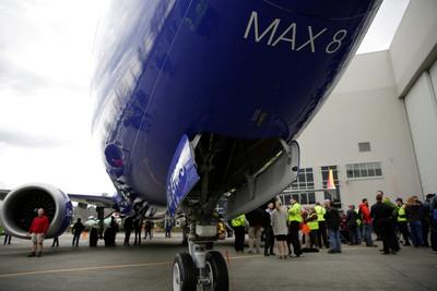 737 MAX全球停飛 波音代價高達300億