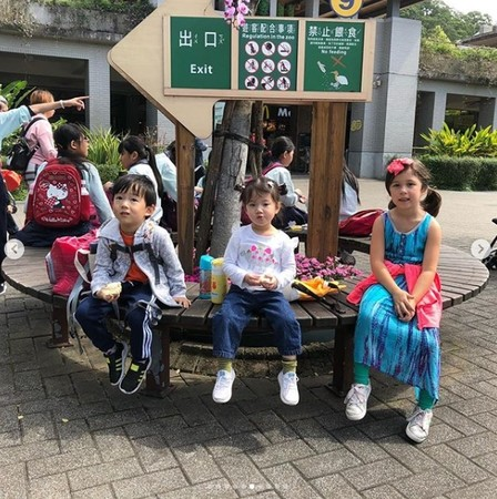 ▲Max、Lucy日前現身台北動物園。(圖/翻攝自Tony的Instagram)