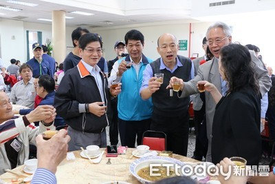 邀農民喝一杯 韓國瑜「一年酒醉300天」:嚎洨