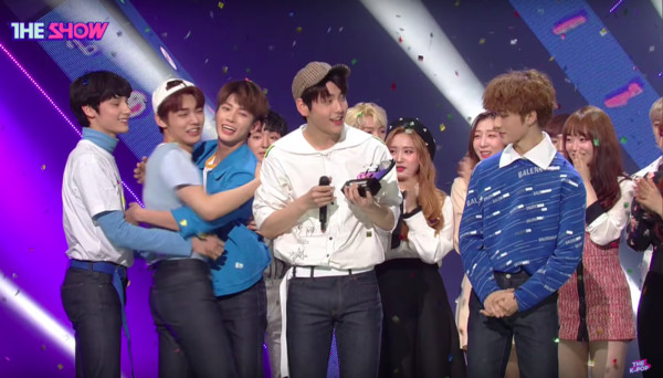 ▲▼TXT出道8天拿下音樂節目一位。(圖/翻攝自YouTube/The K-POP : SBS PLUS)