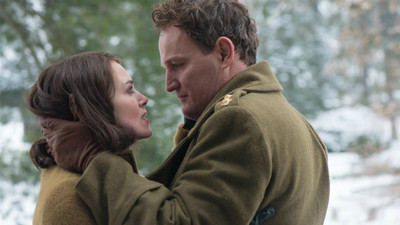 與敵人同居卻擦出愛火!《情,敵》戰後初戀故事 原型比電影更催淚