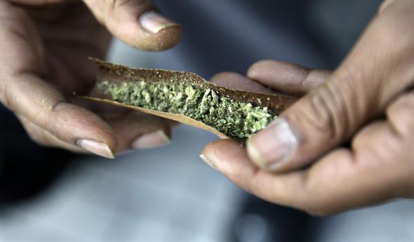 法籍男子服「醫用大麻油」遭逮 泰警勒索25萬才放行