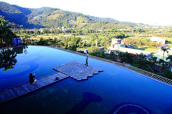 七夕情人節約會必去!特搜東台灣浪漫景觀餐廳 360度無死角看百萬夜景