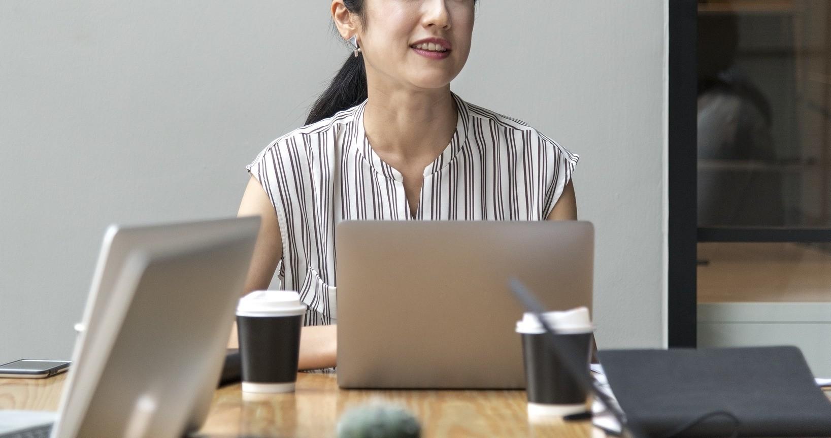 ▲職員,員工,女職員,女員工,菁英,勞工。(圖/取自免費圖庫Pixabay)