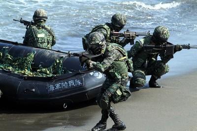海陸兵怨被管休一周 退伍弟兄轟:草莓兵