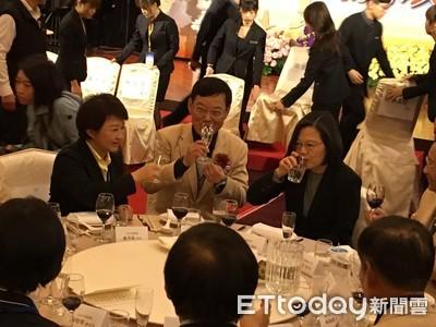 蔡英文「報告」盧秀燕:交管不錯