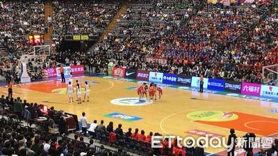 潘文忠現身冠軍賽力挺學生籃球