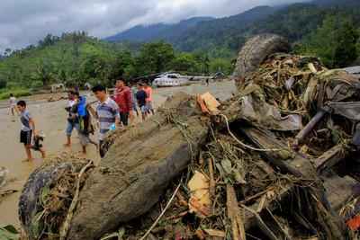 印尼洪災至少58死 數千人沒了家