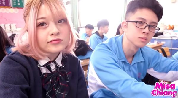 ▲米砂和孫安佐拍片。(圖/翻攝自YouTube/Misa米砂)