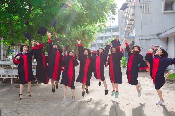 ▲▼畢業,年輕人,年輕女孩,大學生,青少女,青少年。(圖/示意圖/pixabay)