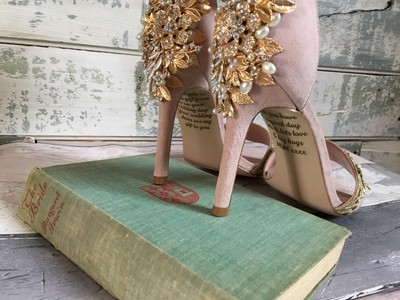 婚前收到「天堂的禮物」 亡母愛的訊息藏鞋底..還來不及送出就去世了