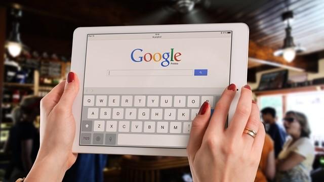 一覺醒來穿越到2030,該先Google什麼?網:復仇者聯盟4免費下載