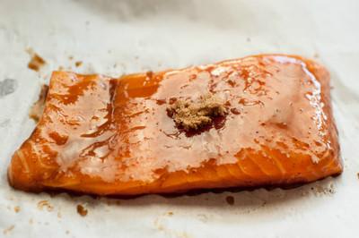 3分鐘做菜 「焦糖炙烤鮭魚排」