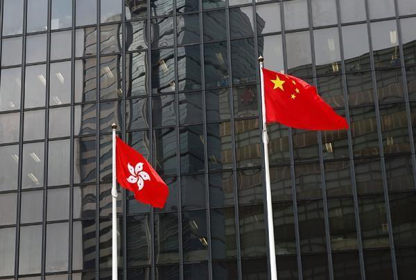 韓國瑜來港簽約 直播畫面出現陸委會官員