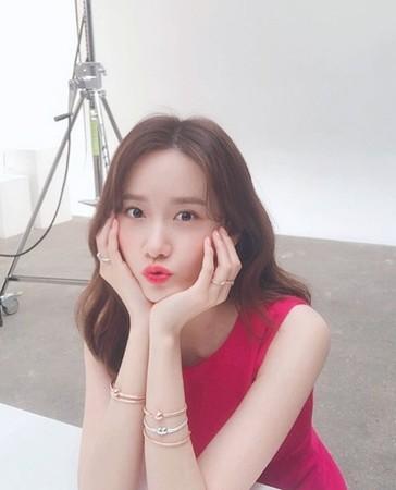 ▲潤娥28歲依舊維持少女般甜美外型。(圖/翻攝自潤娥Instagram)