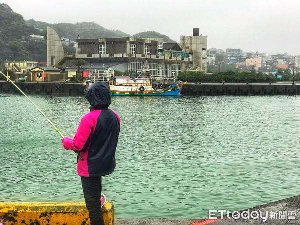 「漁民Vs釣客」政府開放50處漁商港垂釣 金山區漁會:反對