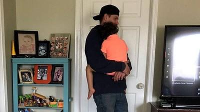 3歲罕病兒大鬧無助媽 男走進客廳「立刻世界和平45分鐘」 小舉動淚虐網友
