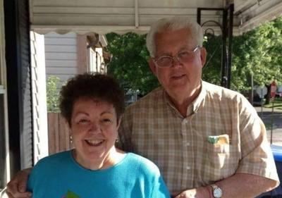結婚56年夫妻牽手離世 女兒淚崩