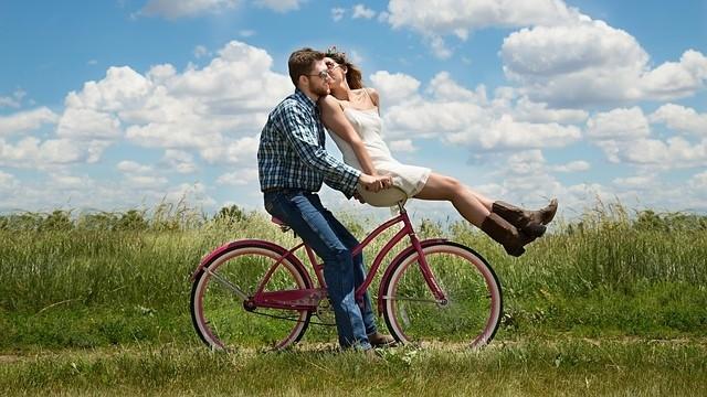 情侶,愛情,告白(圖/取自免費圖庫pixabay)
