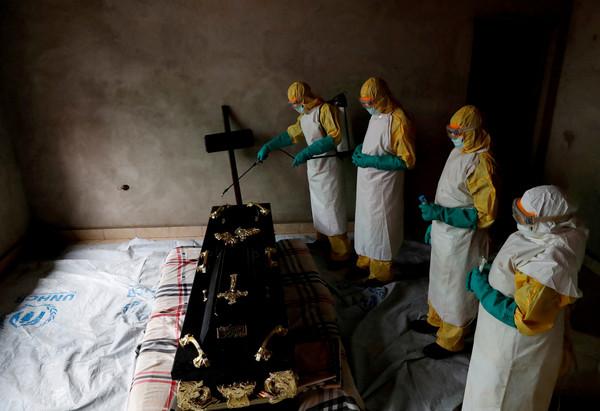 剛果伊波拉疫情越境!WHO證實烏干達「首例確診」 5歲男童死亡