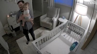 寶寶第一句話喊「嘿Google」 爸媽無奈笑了…