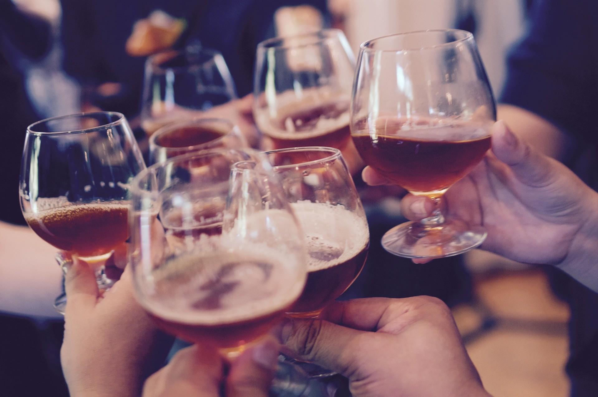 ▲派對,聚會,聚餐,宴席,宴會,喝酒。(圖/取自免費圖庫Pixabay)