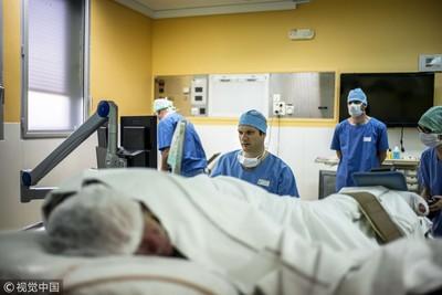 寄生蟲遍布大腦 癲癇男搶救2周亡