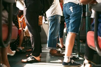 捷運、公車掏鳥摩蹭女乘客 跑船工變癡漢