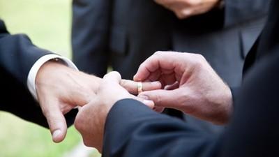 期限不到2月!同婚草案仍卡關 律師:政院版專法比適用民法婚姻章更優