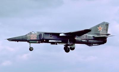 印度一架MiG-27戰鬥機墜毀