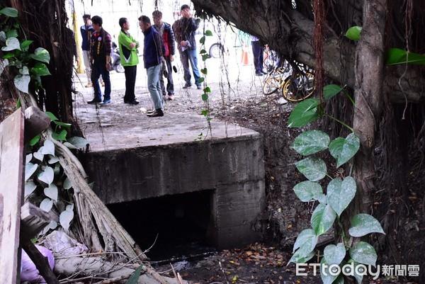 ▲圳溝排水功能不佳,且嚴重影響當地市容觀瞻。(圖/記者王兆麟翻攝,下同)