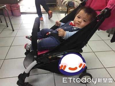 清明節「嬰兒車變重」 爸:先生哪位