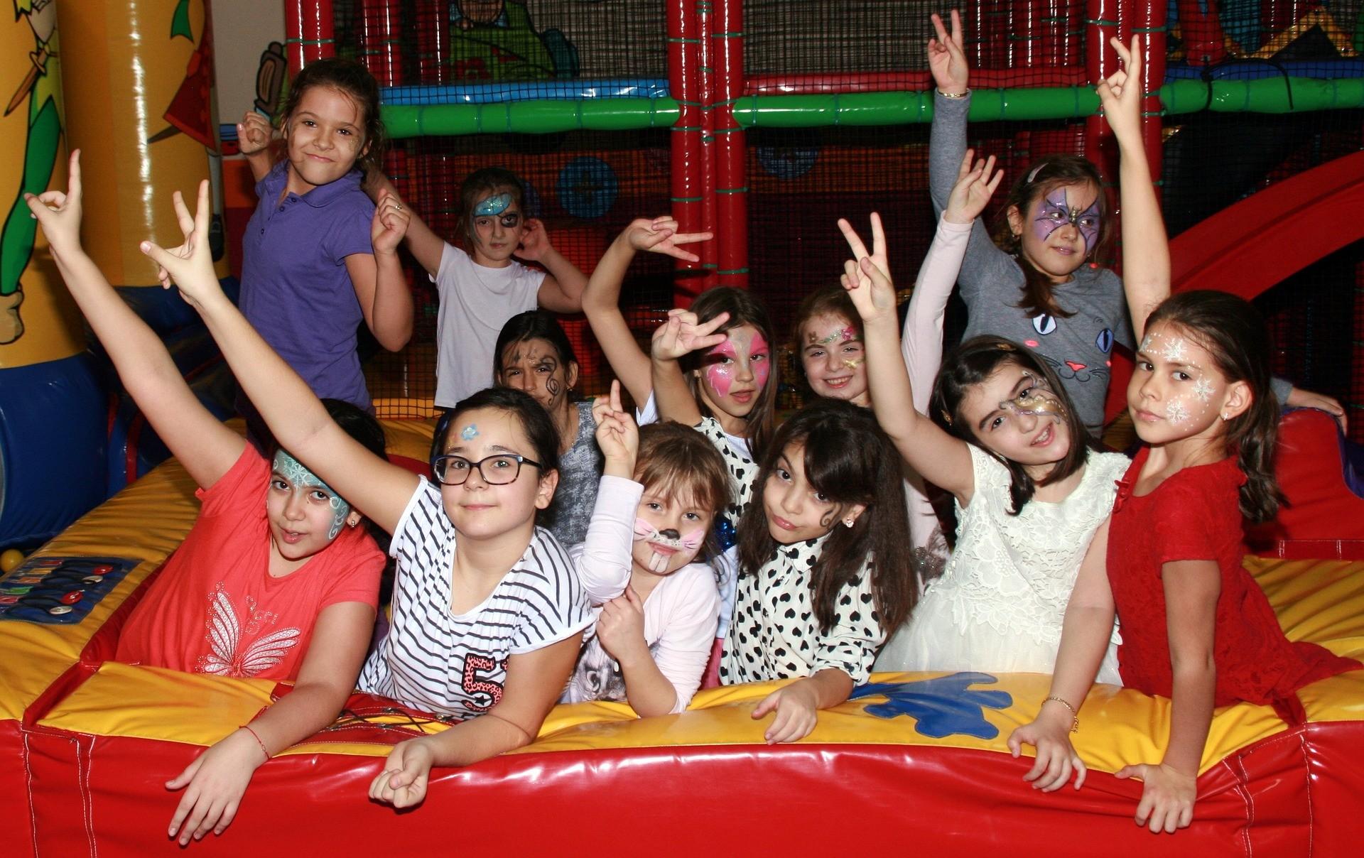 ▲小孩,孩子,派對,女孩。(圖/取自免費圖庫Pixabay)