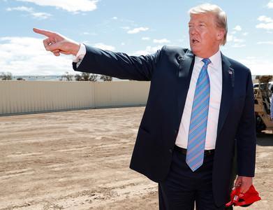 川普:美國已滿 要墨西哥管好移民