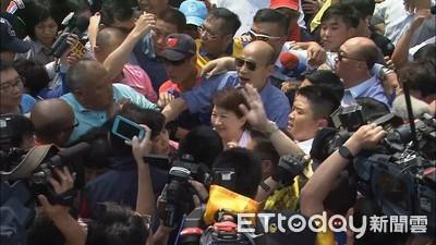 韓國瑜「抵鎮瀾宮」 韓粉大喊選總統