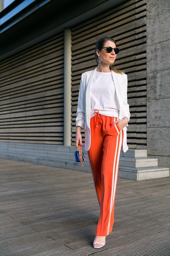 ▲Side-Stripe Pants穿搭。(圖/翻攝自pinterest.com)