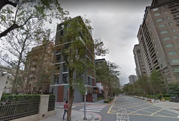 ▲▼忠孝東路五段236巷豪宅。(圖/翻攝自google map)