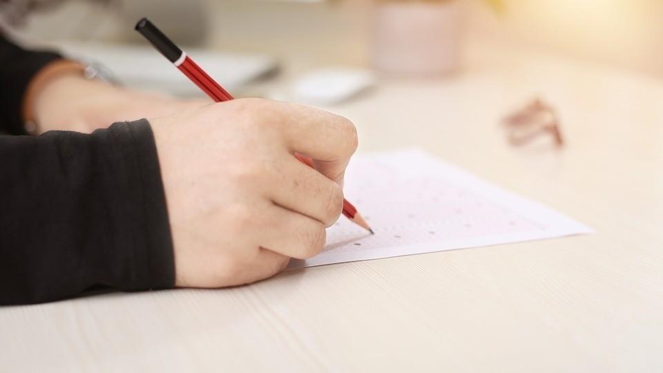 ▲考試,寫字,考卷,作弊,大考,學測,指考,測驗。(圖/取自免費圖庫Pixabay)